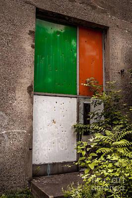 Vandalize Photograph - Grafitti Stelth by Arne Hansen