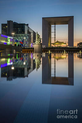 Photograph - Grand Arch At La Defense by Brian Jannsen
