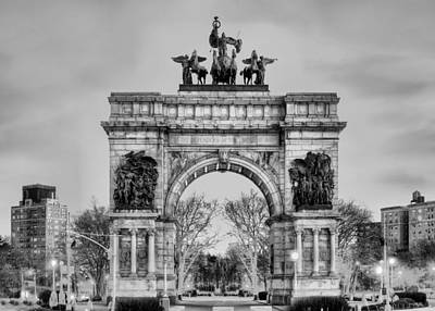 Photograph - Grand Army Plaza by JC Findley