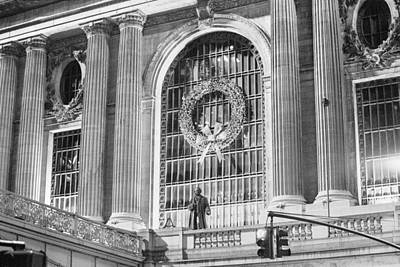 Photograph - Grand Central Christmas by Dave Beckerman