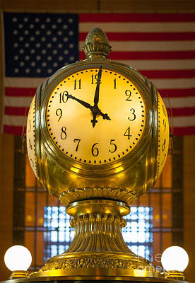 Terminal Photograph - Grand Central Clock by Inge Johnsson