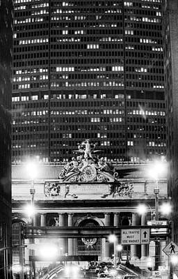 Photograph - Grand Central Pan Am Building by Dave Beckerman