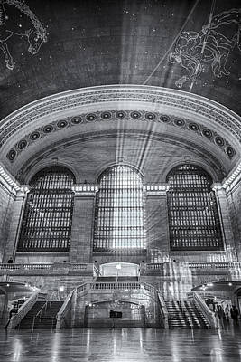 Grand Central Station Bw Art Print by Susan Candelario