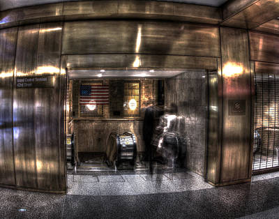 Photograph - Grand Central Terminal 010 by Jeff Stallard