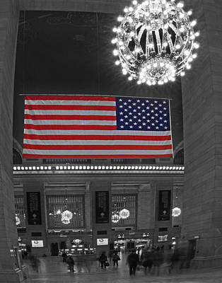 Photograph - Grand Central Terminal 018 by Jeff Stallard