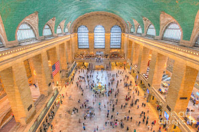 Photograph - Grand Central Terminal Main Concourse I by Clarence Holmes
