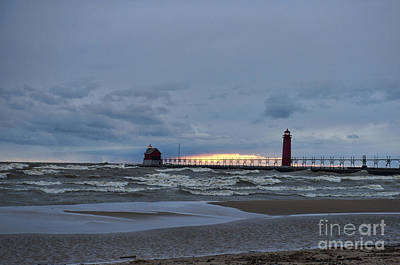 Photograph - Grand Haven Lighthouse Dusk by David Arment