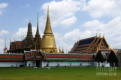 Photograph - Grand Palace Bangkok Thailand 1 by Bob Christopher