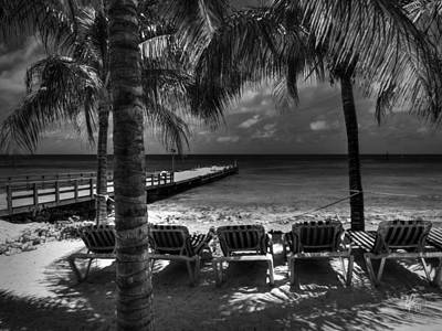 White Photograph - Grand Turk Vacation 001 Bw by Lance Vaughn