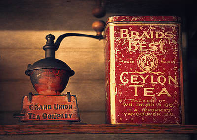 Old Grinders Photograph - Grand Union Tea Company by Maria Angelica Maira