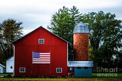 Photograph - Grandfathers Barn by Michael Arend