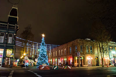 Photograph - Grants Pass City Christmas Tree by Mick Anderson