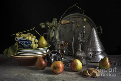 Grape Leaves Photograph - Grapes And Pears by Elena Nosyreva
