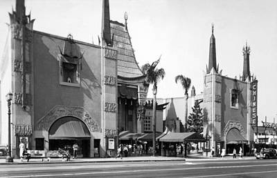 1940 Movies Photograph - Grauman's Chinese Theater by Underwood Archives