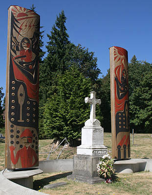 Photograph - Grave Of Chief Seattle by Elizabeth Rose