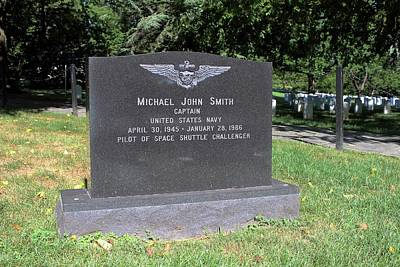Test Pilot Wall Art - Photograph - Grave Of Michael Smith by Peter Bassett/science Photo Library
