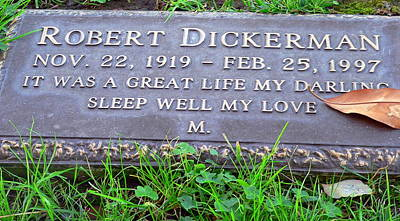 Photograph - Grave Of Robert Dickerman by Jeff Lowe