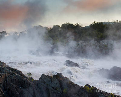 Photograph - Great Falls Mist by Dale Nelson