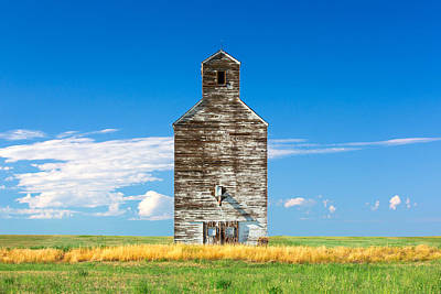 Grain Elevator Photograph - Great Plains Sentinel by Todd Klassy