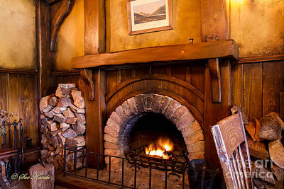 Photograph - Green Dragon Inn Fireplace by Sue Karski