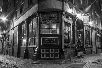Photograph - Green Dragon Tavern by John McGraw