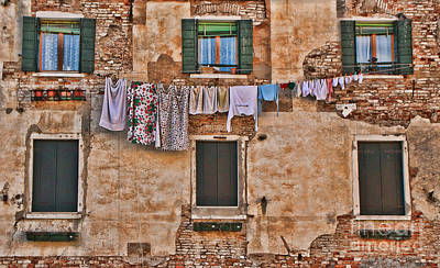 Photograph - Green Shutter Clothesline by Diane Enright