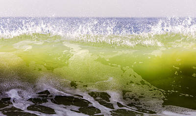 Photograph - Green Summer Wave 1 by Maureen E Ritter