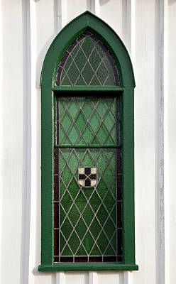 Photograph - Green Window by Guy Whiteley