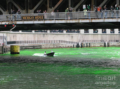 Water St Chicago Photograph - Greening The Chicago River by Ann Horn