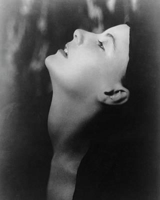 Studio Shot Photograph - Greta Garbo Looking Up by Arnold Genthe