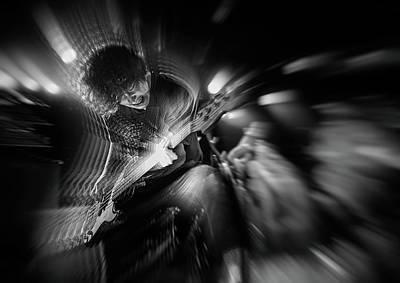 Energy Wall Art - Photograph - Groaning Bass by Kenji Nakamatsu