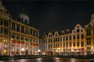 Marketplace Wall Art - Photograph - Grote Markt Brussels by Joan Carroll