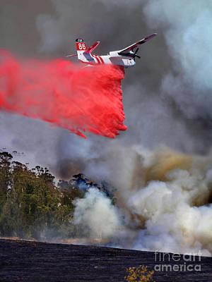 Civil Aviation Digital Art - Grumman S-2f3at Fire Retardant Drop by Wernher Krutein