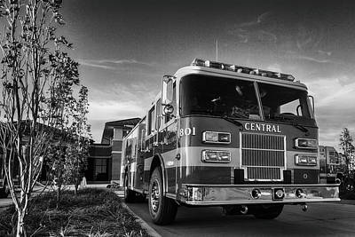 Photograph - Grunge Fire Truck by Sennie Pierson
