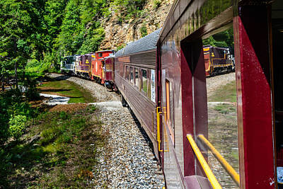Photograph - Gsmr Rounding The Bend by Randy Scherkenbach