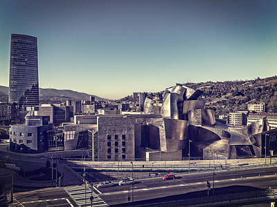 Lady Bug - Guggenheim Bilbao by Jose Mari Bobi