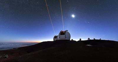 Guide Lasers Over Mauna Kea Observatories Art Print by Babak Tafreshi