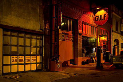 Photograph - Gulf Oil Vintage Night Time Horizontal by Dave Dilli