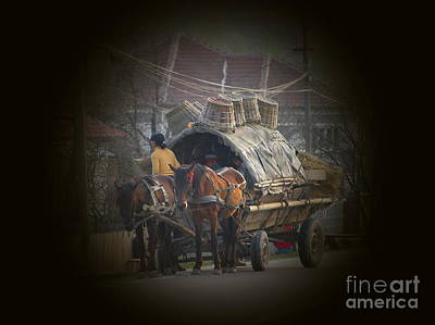 Gypsy Wagon Photograph - Gypsy Wagon by Tamyra Crossley