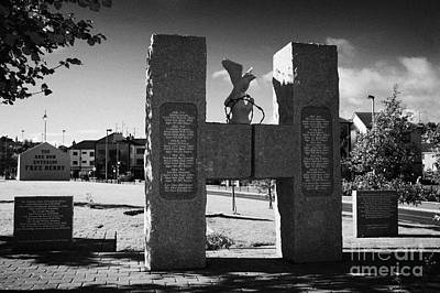 H Block Hunger Strikers Memorial Sculpture At Free Derry Corner In The Bogside Area Of Derry Londonderry Northern Ireland Art Print