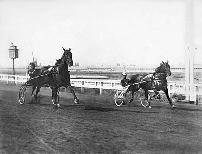Harness Racing Photograph - Hackney Horse Race by Underwood Archives