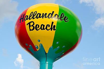 Hallendale Beach Water Tower Art Print by Les Palenik