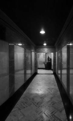Politicians Royalty-Free and Rights-Managed Images - Hallway Of The Lincoln Tomb by Dan Sproul