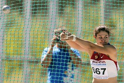 Tatiana Photograph - Hammer Thrower by Science Photo Library