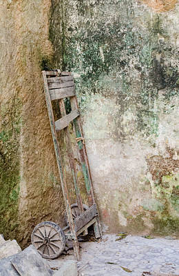 Photograph - Handcart  In The Corner In Havana Cuba by Rob Huntley
