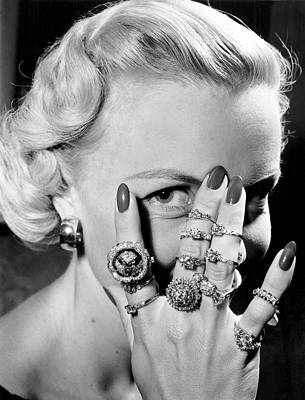 Jeweler Photograph - Handful Of Engagement Rings by Underwood Archives