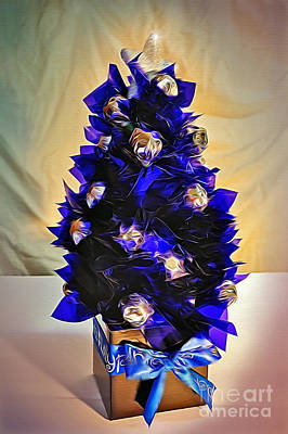 Photograph - Handmade Christmas Tree With Chocolates by Kaye Menner