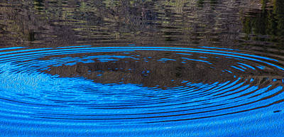 Painting - Handy Ripples by Omaste Witkowski