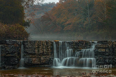 Photograph - Hanging Onto Fall by Larry McMahon