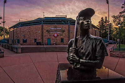 Photograph - Hank Aaron Statue by Tom Gort